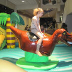 Dino-Bull-Riding-mieten