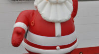 inflatable-santa-claus-mieten