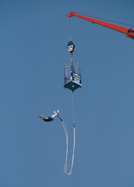bungee jumping mieten in ganz deutschland. Black Bedroom Furniture Sets. Home Design Ideas