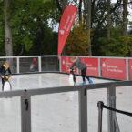 Bannerbarnding an der Eisbahn