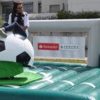Ball Riding mit Kundenwerbung mieten