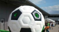 Fußball-Hüpfburg mieten