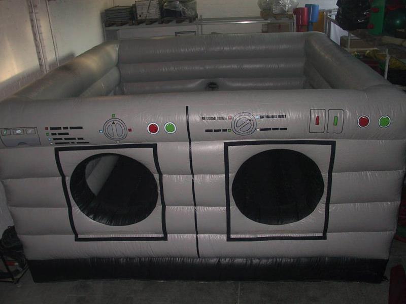 h pfburg waschmaschine auch f r schaumpartys geeignet. Black Bedroom Furniture Sets. Home Design Ideas