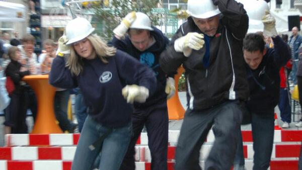 Hürdenlauf-Teamspiel-Verleih