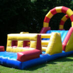 Inflatable Hindernisparcours Mieten