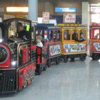 Indoor-Personenbahn mieten mit Werbeanbringung