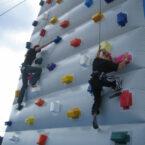 mobiler-kletterberg-kletterturm-04