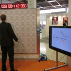 Reaction Wall Twall Reaktions Eventspiel